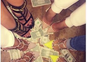 Τα «πλουσιόπαιδα του Ντουμπάι» επιδεικνύουν τα πλούτη τους στο Instagram - Κεντρική Εικόνα