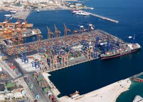 Με πλωτή δεξαμενή 80.000 τόνων ξεκινούν στον ΟΛΠ οι επενδύσεις - Κεντρική Εικόνα