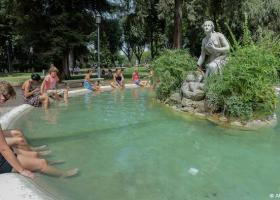 Iταλικές διακοπές εν μέσω καύσωνα - Κεντρική Εικόνα