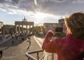 Γερμανία: Πόλος έλξης Ελλήνων τουριστών - Κεντρική Εικόνα