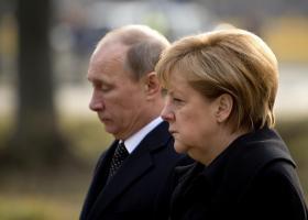 Ο Πούτιν ευελπιστεί στην ανάπτυξη των εμπορικών σχέσεων με την Γερμανία - Κεντρική Εικόνα