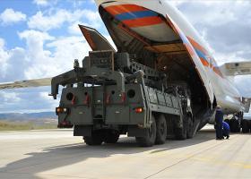 Η Άγκυρα παραλαμβάνει τους S-400 με κίνδυνο να υποστεί τα αντίποινα των ΗΠΑ (vid | pics) - Κεντρική Εικόνα