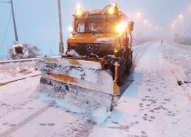 Επέλαση του χιονιά στη Φθιώτιδα - «Μάχη» για να μείνουν ανοικτοί οι δρόμοι - Κεντρική Εικόνα