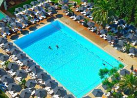 Πόσο κοστίζει μια βουτιά στην πισίνα του Hilton - Κεντρική Εικόνα
