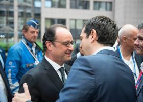 Ολάντ: Ο φίλος Τσίπρας «έφερε τη συμφωνία το 2015» - Κεντρική Εικόνα