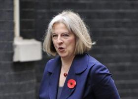 Ανακάμπτει η στερλίνα αφού η Τερέζα Μέι δέχθηκε να έχουν οι βουλευτές κάποιον έλεγχο στο Brexit - Κεντρική Εικόνα