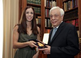 Ο Πρόεδρος της Δημοκρατίας υποδέχθηκε και συνεχάρη την Κατερίνα Στεφανίδη - Κεντρική Εικόνα