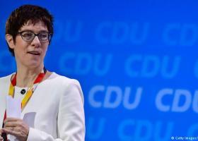 Την υποψηφιότητα της για την ηγεσία της CDU ανακοίνωσε επισήμως η Άνεγκρετ Κραμπ-Καρενμπάουερ - Κεντρική Εικόνα