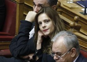 Διευκρινίσεις για το Κοινωνικό Μέρισμα στη Βουλή από την υπoυργό Εργασίας - Κεντρική Εικόνα