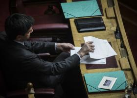 «Καμπανάκι» κινδύνου για δημοσιονομικό εκτροχιασμό από Χουλιαράκη - Κεντρική Εικόνα