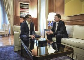 Ντομπρόβσκις σε Τσίπρα: Συνολική συμφωνία έως το Eurogroup - Κεντρική Εικόνα
