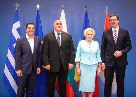 Τετραμερής: Μεγάλη η σημασία της Συμφωνίας των Πρεσπών για το μέλλον της περιοχής - Κεντρική Εικόνα
