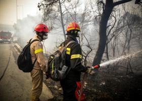 Σε Μάτι και Νέο Βουτζά μαίνεται η πυρκαγιά - Ένας νεκρός στη Ραφήνα - Κεντρική Εικόνα