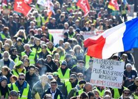 Κοινωνικό διάλογο για το συνταξιοδοτικό ανοίγει ο Μακρόν - Κεντρική Εικόνα