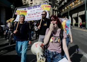 """8η Μάρτη: """"Δεν είναι γιορτή, είναι απεργία"""" διαδήλωσαν σήμερα εκατοντάδες γυναίκες - Κεντρική Εικόνα"""