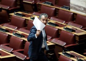 Στ. Θεοδωράκης: Αποχαιρετώ τη Βουλή πολιτικά ηττημένος, ανθρώπινα θλιμμένος αλλά περήφανος - Κεντρική Εικόνα
