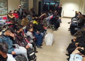 Γερμανικά ΜΜΕ: Το μοιραίο «κονβόι της ελπίδας» των προσφύγων - Κεντρική Εικόνα