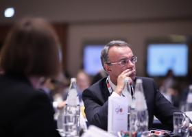 Σταϊκούρας: Αναπτυξιακό σχέδιο για την μείωση των πρωτογενών πλεονασμάτων - Κεντρική Εικόνα
