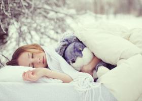 Τι μπορούμε να πάθουμε όταν κοιμόμαστε σε κρύο δωμάτιο - Κεντρική Εικόνα