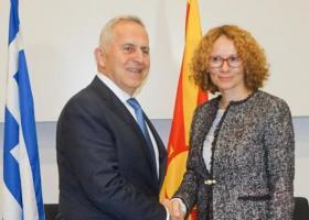 Εμβάθυνση της αμυντικής συνεργασίας συζητούν Αθήνα και Σκόπια - Κεντρική Εικόνα
