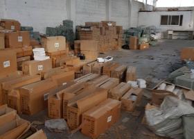 Στα σκουπίδια πέταξε το ΣΔΟΕ 23.300 κατεσχεμένα «μαϊμού» παπούτσια, γυαλιά και ενδύματα - Κεντρική Εικόνα