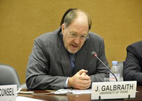 Γκάλμπρεϊθ: Απόφαση του πρωθυπουργού η προετοιμασία του Σχεδίου Χ - Κεντρική Εικόνα
