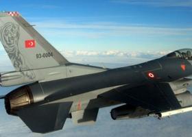 Δεκάδες πιλότοι της τουρκικής Πολεμικής Αεροπορίας προσήχθησαν από την αστυνομία - Κεντρική Εικόνα
