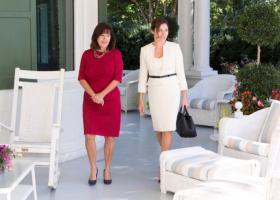 Γιατί η Μπέτυ Μπαζιάνα δεν συνάντησε στον Λευκό Οίκο την Μελάνια Τραμπ - Κεντρική Εικόνα