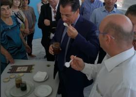 Ποια... μερέντα ξετρέλανε τον Άδωνι Γεωργιάδη! (photos) - Κεντρική Εικόνα