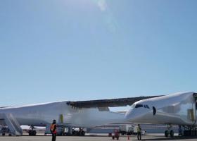 Αυτό είναι το μεγαλύτερο αεροπλάνο στον κόσμο (photos) - Κεντρική Εικόνα