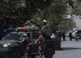 Aφγανιστάν: Επίθεση βομβιστή αυτοκτονίας στην Καμπούλ - Ανέλαβαν την ευθύνη οι Ταλιμπάν  - Κεντρική Εικόνα