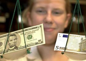 Υποχωρεί το ευρώ έναντι του δολαρίου - Κεντρική Εικόνα