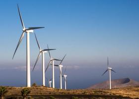 Επενδυτικό ενδιαφέρον για τις ανανεώσιμες πηγές ενέργειας μετά την απλούστευση αδειοδότησης - Κεντρική Εικόνα