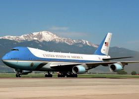 Ο Τραμπ ακυρώνει τη συμφωνία με την Boeing για την αγορά των νέων Air Force One - Κεντρική Εικόνα
