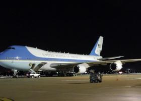 Λόγω σφοδρής κακοκαιρίας στην Κρήτη το Air Force One με τον Τραμπ δεν θα ανεφοδιαστεί στη Σούδα - Κεντρική Εικόνα