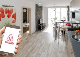 Στην «τσιμπίδα» της ΑΑΔΕ 20.000 ακίνητα Airbnb  - Κεντρική Εικόνα