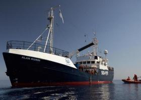Η Μάλτα θα υποδεχθεί πέντε μετανάστες που απέμεναν στο Alan Kurdi - Κεντρική Εικόνα