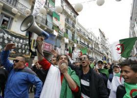 Αλγερία: Στους δρόμους και πάλι χιλιάδες διαδηλωτές - Κεντρική Εικόνα
