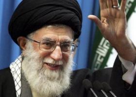 Ο αγιατολάχ Αλί Χαμενεΐ δηλώνει ότι η Τεχεράνη δεν θα διαπραγματευτεί με την Ουάσινγκτον - Κεντρική Εικόνα