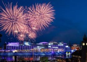 Γιορτές στο λιμάνι του Αμβούργου για τα 830 χρόνια του - Κεντρική Εικόνα