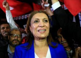 Γυναίκα εξελέγη για πρώτη φορά στην ιστορία της Τυνησίας δήμαρχος της Τύνιδας - Κεντρική Εικόνα