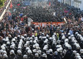 G20: Οργή Γερμανών για στάση αστυνομίας και τη βία στο Αμβούργο - Κεντρική Εικόνα