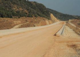 Τα «σήκωσαν» και έφυγαν οι εργολάβοι από έναν σημαντικό οδικό άξονα της Δυτ. Ελλάδας - Κεντρική Εικόνα