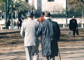 Αναδρομικά: Σε 72 μηνιαίες δόσεις η επιστροφή στους συνταξιούχους - Κεντρική Εικόνα