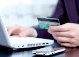 Οι 10 απάτες που κάνουν θραύση στο ίντερνετ - Tι να προσέχουν οι καταναλωτές - Κεντρική Εικόνα