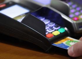 Ηλεκτρονικές αποδείξεις: Τα πρόστιμα για όσους δεν κάλυψαν το 30% των δαπανών - Ποιοι εξαιρούνται - Κεντρική Εικόνα