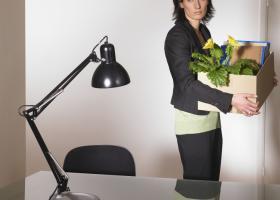 Γνωστή εταιρεία τηλεπικοινωνιών απολύει πενηντάρες εργαζόμενες - Κεντρική Εικόνα