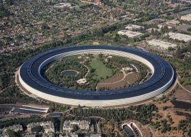 Ο Τραμπ στην Apple: Κατασκευάστε τα προϊόντα σας στις ΗΠΑ - Κεντρική Εικόνα