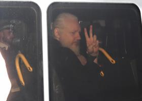 Λονδίνο: Ποινή φυλάκισης 50 εβδομάδες για τον Τζούλιαν Ασάνζ - Κεντρική Εικόνα
