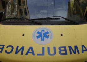 Άνδρας σε κατάσταση αμόκ επιτέθηκε σε... ασθενοφόρο - Κεντρική Εικόνα